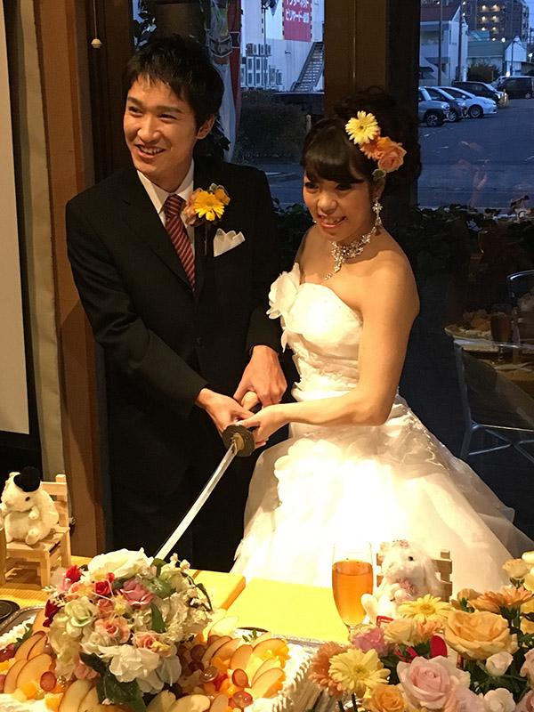 日本刀でケーキ入刀